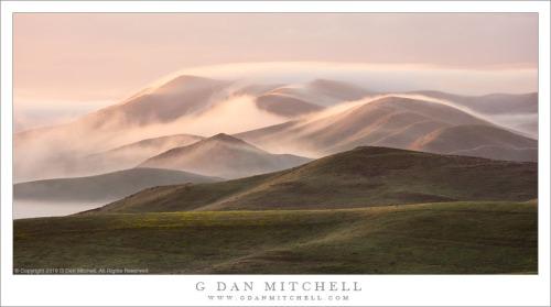 Drifting Fog, Hills